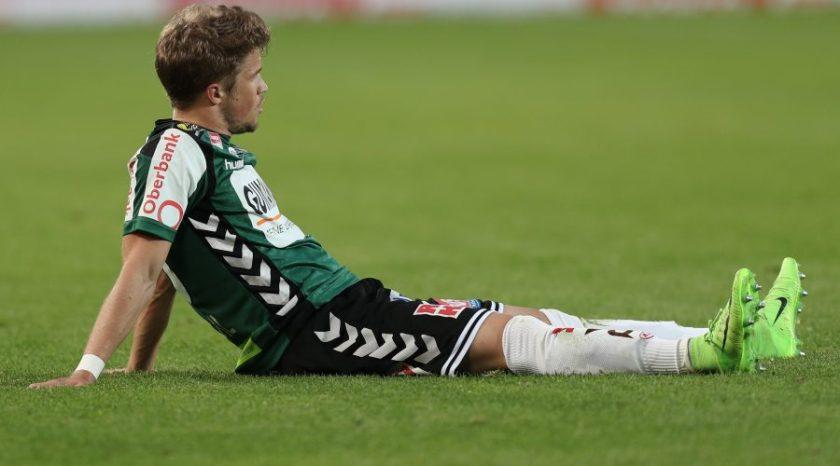 Patrick Möschl am Boden nach der 0:3 Niederlage gegen Austria Wien